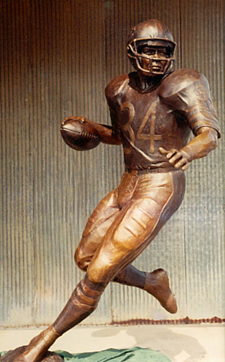 Ben Watts' sculpture of NFL Hall of Fame Inductee the great Walter Payton